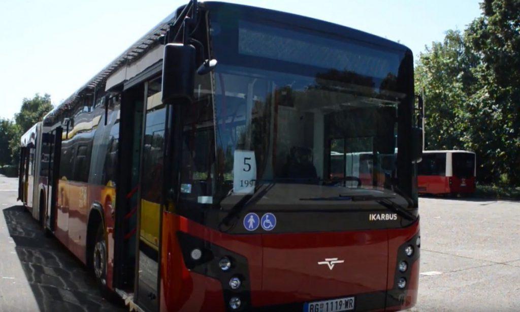 Pretučen vozač autobusa u Jug Bogdanovoj: Zadobio povrede kičme, hitno prevezen na ortopediju