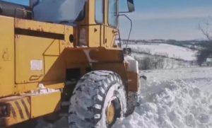 U nekim opštinama i dalje vanredno zbog snega