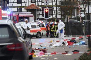 LUDAK! Vozač u Nemačkoj namerno povredio 30 ljudi, ali i sebe, pao u ruke policiji (FOTO)