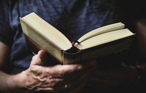 Zavirite u tajnje našeg Nobelovca: Biografija Ive Andrića za duge sate u krantinu (FOTO)