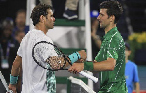 """POZNATI TENISER U IZOLACIJI! """"Neću da zarazim najbliže, ako…"""" Poslednji meč odigrao protiv Novaka!"""