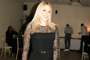 Milica Todorović slavi 30 rođendan: Sva u ZLATNOM slavljenica ZAPEVALA, pa podigla atmosferu (VIDEO)
