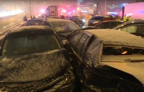 SCENA KAO IZ FILMOVA: Lančani sudar više od 50 automobila (FOTO+VIDEO)