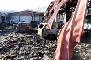 UŽASAN PRIZOR u Jagodini: Izgorelo 14 automobila, pali delovi krova, šteta OGROMNA! (FOTO)