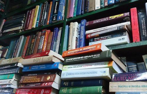 Uz sugrađanje kad je najteže: Udruženje izdavača poklonilo 1000 knjiga bolnici na Sajmu