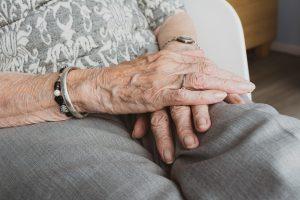 Super baka: 93-ogodišnja žena iz Kruševca se oporavila od koronavirusa