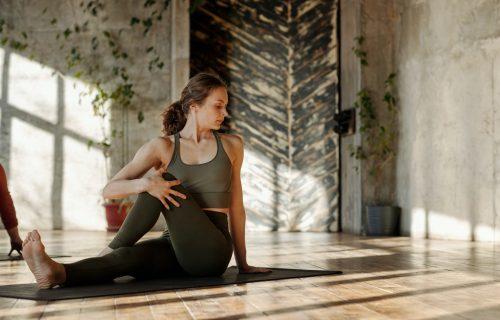 Probudite svoju energiju: 9 vežbi za PERFEKTNO zategnute NOGE (VIDEO)
