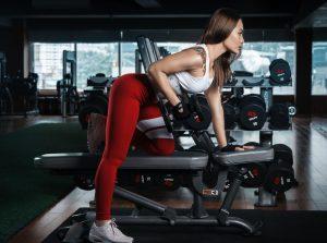 Pakleni trening za zategnuto telo: 30 minuta vežbi koje će zapaliti vaše mišiće