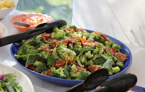 Za sve ljubitelje povrća: BROKOLI salata sa SUNCOKRETOM je spoj zdravlja i jedinstvenog ukusa (VIDEO)