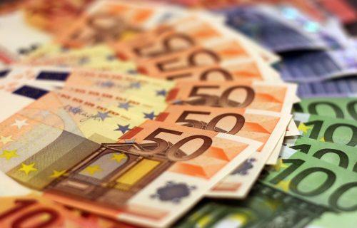 Penzioneri, stižu pare! Poštanska štedionica sutra počinje isplatu 100 evra!