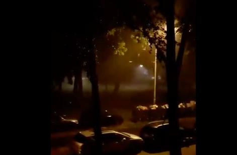 Jaka kiša i vetar pogodili Beograd, RHMZ najavljuje i pljuskove sa GRMLJAVINOM (VIDEO)