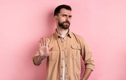 """Verovali ili ne i muškarci imaju """"menopauzu"""": Počinje već u 35. godini a ovo su simptomi"""
