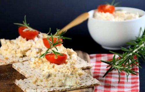 Ne valja ići na spavanje praznog stomaka: Zasitite se uz PILEĆU salatu sa kikirikijem (RECEPT+VIDEO)