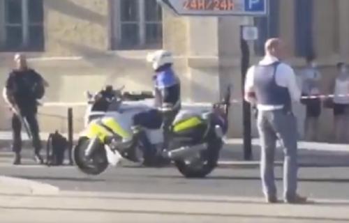 Okončana drama u Francuskoj: Otmičar se predao policiji, taoci oslobođeni