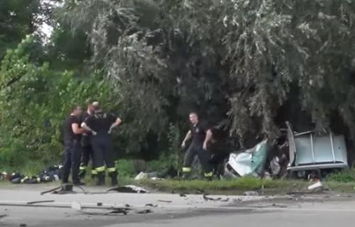 Još jedna žrtva jezive nesreće kod Kruševca: Vozač iz smrskanog automobila nije izdržao