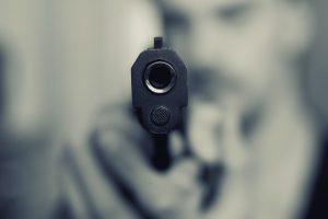 Baranin opljačkao market kod policijske stanice: Repetirao pištolj i naredio kasirki da preda pazar