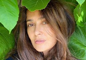 Salma Hajek proslavila rođendan u BIKINIJU, svi pričaju o njoj, a i ovaj glumac rođen je kad i ona (FOTO)