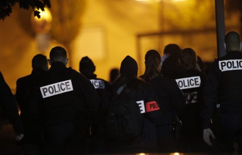 Ovo je napad na FRANCUSKU NACIJU! Šok reakcije na odrubljivanje glave nastavniku istorije u Parizu