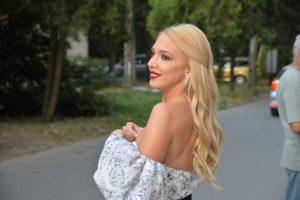 Milica Todorović oduvala svećice: Kad je Prijovićka zapevala OVE stihove, počela je da LOMI čaše (VIDEO)