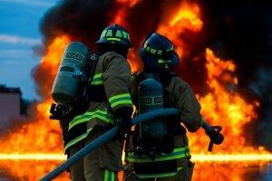 JEZIVO! Izbio stravičan požar u kući, vatrogasci poginuli u akciji spasavanja